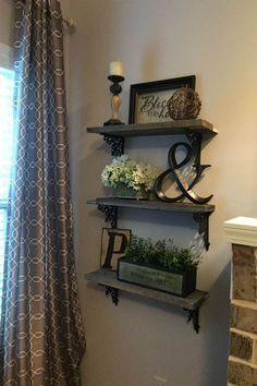 There are many rustic wall decor ideas that can make your home truly unique.There are many rustic wall decor ideas that can make your home truly unique.Home Wall Ideas Rustic Wall Decor, Rustic Walls, Dyi Wall Decor, Stair Decor, My New Room, Home Projects, Wooden Projects, Pallet Projects, Living Room Decor
