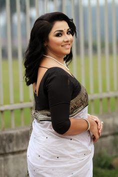 Desi Girl Image, Bollywood Designer Sarees, Cute Little Girl Dresses, Bollywood Actress Hot Photos, Most Beautiful Indian Actress, Beautiful Women Pictures, Beautiful Hijab, Indian Beauty Saree, Womens Fashion
