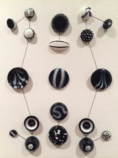 FABULOUS CARDS OF 19 GLASS BUTTONS - BLACK & WHITE