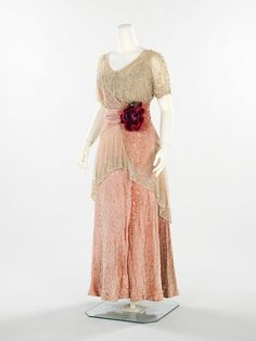 Herbert Luey, evening dress, 1912. Photo: Metropolitan Museum of Art.