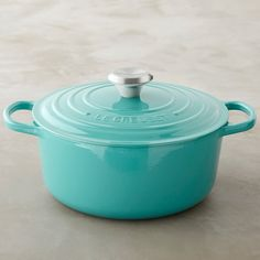 Turquoise Le Creuset Signature Cast-Iron Round Dutch Oven