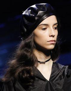 Le choker griffé du défilé Dior automne-hiver 2017-2018