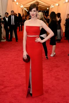 Anne Hathaway in Calvin Klein Collection met gala ball 2014
