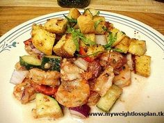 Prawn Salad with Garlic Croutons My Favorite Food, Favorite Recipes, Prawn Salad, Tasty, Yummy Food, How To Lose Weight Fast, Salad Recipes, Potato Salad, Salads