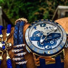 Color matching with Ulysse Nardin and #stringHD bracelets!  Photo by @spjeweler…