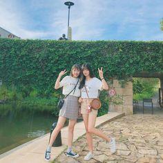 Jung So Min, Mode Ulzzang, Ulzzang Girl, Ulzzang Korea, Yuri, Korean Best Friends, Girl Friendship, Girl Couple, Korean Fashion Trends