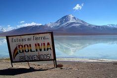 Esta es mi tierra, Bolivia... Bienvenidos! (This is my land, Bolivia, welcome!)