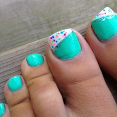 Easy pedicure idea ~ my toe nails never get shown enough for me to do this, but maybe on my nails? (:
