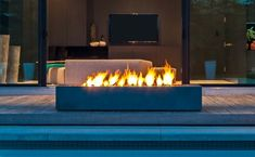 More Comfort with Modern Fire Pit : Modern Outdoor Fire Pit. Outdoor Fire Table, Modern Outdoor Fireplace, Outdoor Fireplace Designs, Outdoor Spaces, Glass Fire Pit, Metal Fire Pit, Concrete Fire Pits, Fire Pit Lighting, Backyard Lighting