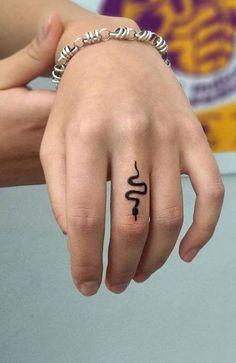 Mini Tattoos, Dainty Tattoos, Dope Tattoos, Small Tattoos, Pretty Tattoos, Small Simple Tattoos, Henna Tatoos, Cute Simple Tattoos, Tattoos Skull