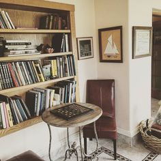 """The man who does not read has no advantage over the man who cannot read."" -Mark Twain #reading #staycation #lodging #bedandbreakfast #openupabook #stayawhile https://www.instagram.com/p/BKWj8qhDmce/ via http://www.westviewbb.com"