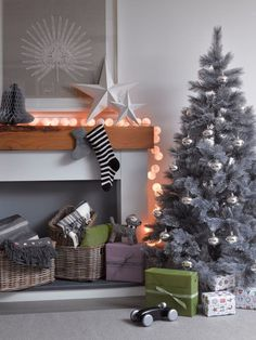53 Wonderfully modern Christmas decorated living rooms!!! Bebe'!!! Silver Christmas Tree!!!