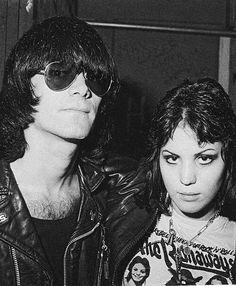 Dee Dee Ramone and Joan Jett, Punk Rock! Joan Jett, Music Love, Music Is Life, My Music, Ramones, Pop Punk, Women Of Rock, Cinema, Portraits