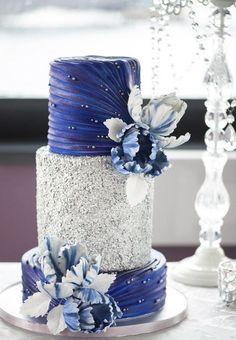 Featured Photographer: L'Estelle Photography, Featured Cake: Hello Sunshine Cake Studio; Wedding cake idea