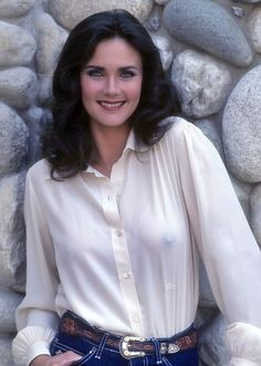 Lynda Carter is one of the most beautiful women on the planet. She's still beautiful.