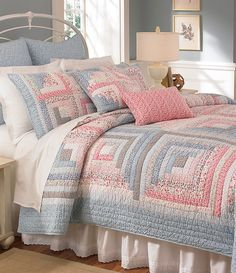 """Low volume log cabin quilt - 6 logs per side! Love the colours. Beautiful....but downsize the logs to 1"""". - Picmia"""
