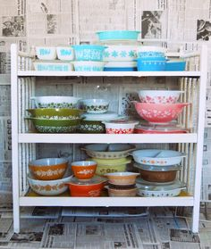 Love all the vintage Pyrex!