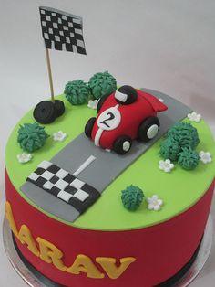 Racing car cake!