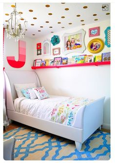 Girl's bedroom. Love the high wall railing for more storage of books, knick knacks, pictures and artwork
