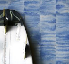 The Tides ocean-inspired line of handcrafted porcelain tiles, designed by Luca Osburn for clé, is the perfect addition to their Watermark Collection.