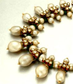 Interesting pearl necklace