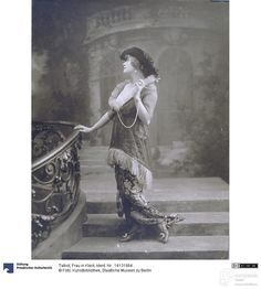 Photo by Talbot photographic studio, 1913 ca. Courtesy Kunstbibliothek – Staatliche Museen zu Berlin, CC-BY-NC-SA.