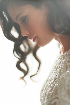 Bridal Portrait Poses, Bride Portrait, Wedding Portraits, Wedding Photography Poses, Wedding Poses, Wedding Photoshoot, Romantic Photography, Photography Pics, Creative Wedding Photography