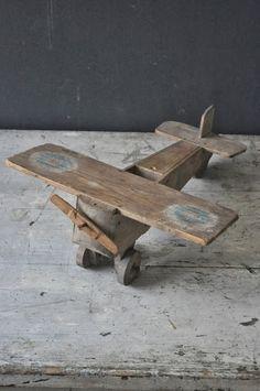Toy Plane   Le Vide Grenier d'une Parisienne