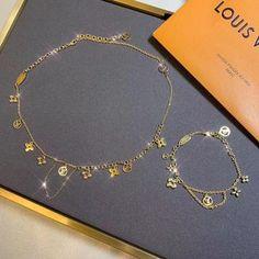 Jewelry Kits, Jewelry Necklaces, Gold Necklace, Jewellery, Louis Vuitton Necklace, Expensive Jewelry, Luxury Jewelry, Bracelet Set, Fashion Jewelry