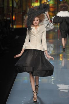Christian Dior Spring 2009 Couture Fashion Show - Heloise Guerin