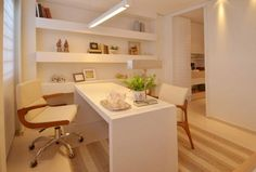 Imagem 39 Office Cabin Design, Dental Office Design, Clinic Interior Design, Clinic Design, Medical Office Decor, Home Office Decor, Workspace Design, Office Workspace, Mini Office