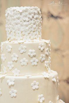 2014 Seattle Wedding Show Recap – Handpainted Wedding Cakes from The Sweetside | Alante Photography Blog @Kara Lawson Burfeind