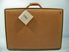 Insanely great leather luggage from Hartmann. This model isn't made any more, but they come up on ebay for 2000 or so...