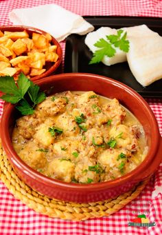Cocina con Ana: ALBÓNDIGAS DE BACALAO AL VAPOR CON SALSA DE ALMENDRAS (CON THERMOMIX Y TRADICIONAL)