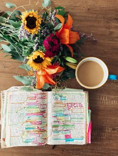Bible Journaling, Flowers, and Coffee. How to study the Bible and use a journaling Bible| Learn how to take better notes and make Bible Study FUN with this ebook!