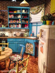 Interior design inspiration: Monica's apartment & how to DIY the room