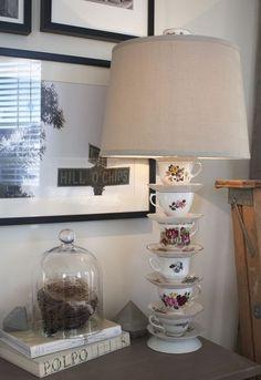 Après une petite visite dans une friperie, voyez l'adorable décoration qu'elle a réalisé pour son salon! - Trucs et Bricolages