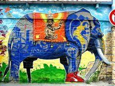 """#Marko93, #art #urbain illuminé  #liberation #elephant #streetart #graffiti #Paris   L'animal et sa mise en situation sont la vision de la société par Marko 93 : """"L'éléphant symbolise la puissance mais celui-ci est handicapé et avalé par le système"""".  http://next.liberation.fr/arts/2013/02/18/marko-93-l-art-urbain-illumine_882062#    https://www.facebook.com/marko93darkvapor"""
