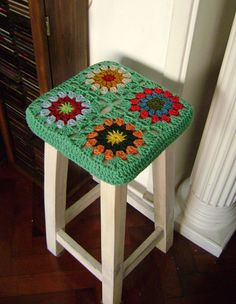 This is my favorite colour. Crochet Granny, Crochet Stitches, Knit Crochet, Stool Cover Crochet, Granny Chic Decor, Crochet Furniture, Granny Square Projects, Stool Covers, Crotchet Patterns