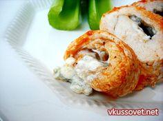 Острые куриные роллы с голубым сыром