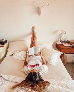 Como superar el bloqueo lector consejos + tips 💡 kick high идеи для фото. Boudoir Photography, Portrait Photography, Girls Heart, Photos Tumblr, Insta Photo Ideas, Girl Inspiration, Home Photo, Tumblr Girls, Books To Read