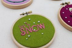 Miniature Christmas Embroidery Hoops / Christmas | Fiskars