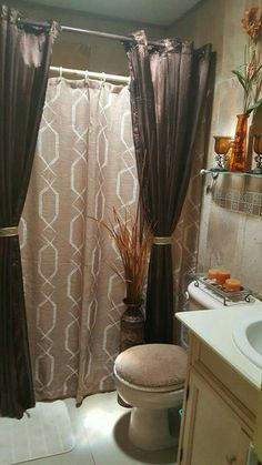 Bathroom Decor themes 57 Beautiful Bathroom Fall Decorating Ideas You Have To See Bathroom Towel Decor, Bath Decor, Small Bathroom, Bathroom Ideas, Teen Bathrooms, Tuscan Bathroom, Bathroom Shower Curtains, Bathroom Designs, White Bathroom
