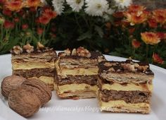 dian@'s cakes: Zuppette cu blat de bezea si nuca Something Sweet, Tiramisu, Bacon, Sweets, Cooking, Healthy, Ethnic Recipes, Desserts, Food
