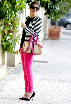 28 Trendy how to wear pink jeans winter Pink Jeans Outfit, Pink Pants, Striped Blazer Outfit, White Pants, Pink Fashion, Fashion Outfits, Womens Fashion, Fashion Fall, Jeans Fashion