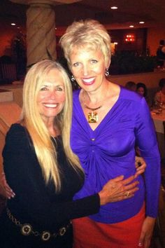 What 73 years *young* looks like!! Yep - this is raw food guru Mimi Kirk and she really is 73!! Such an honor to meet her last night at a fabulous 5-course raw vegan dinner in San Diego via Mari Smith