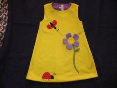 Vielfältig zu tragendes Fleecekleid. Die Blume hab ich in 3D aufgenäht. Sie können die Stoffart individuell bei mir bestellen, entweder in Fleece oder