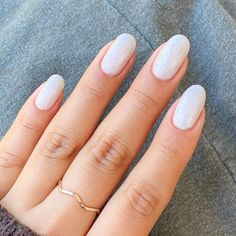 Nothing like a fresh white mani ✨ 💅 in 'Ella Bean' Oval Acrylic Nails, Acrylic Nail Designs, White Oval Nails, Short Rounded Acrylic Nails, White Short Nails, Rounded Nails, Natural Looking Acrylic Nails, Short Round Nails, Cute Nails