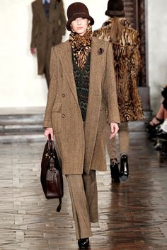 See the complete Ralph Lauren Fall 2012 Ready-to-Wear collection.