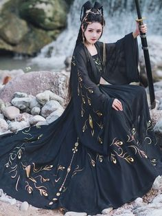 Chinese Clothing Traditional, Traditional Fashion, Traditional Dresses, Hanfu, Oriental Fashion, Asian Fashion, Old Fashion Dresses, Fantasy Dress, Japanese Outfits